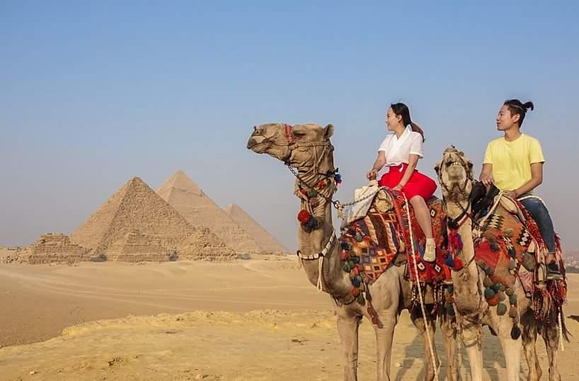 Giza Pyramids trip with camel