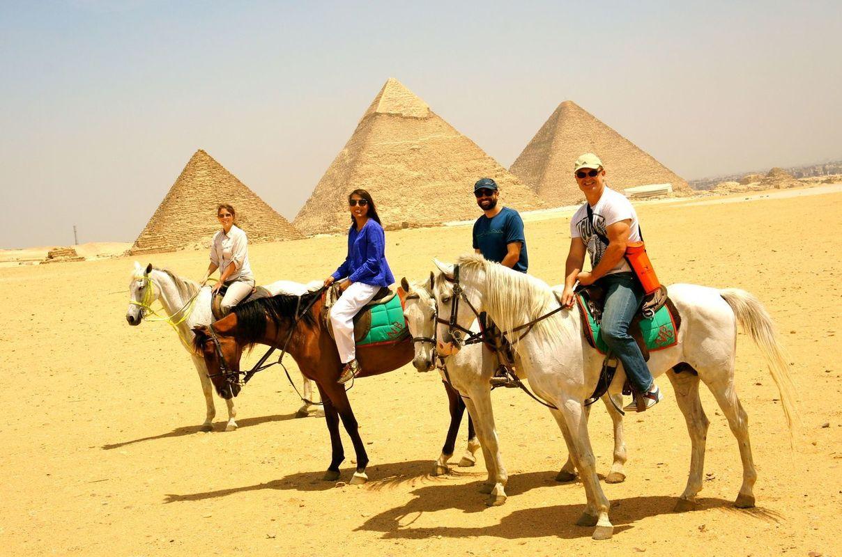 Day Tour to the Giza Pyramids,Saqqara and Memphis